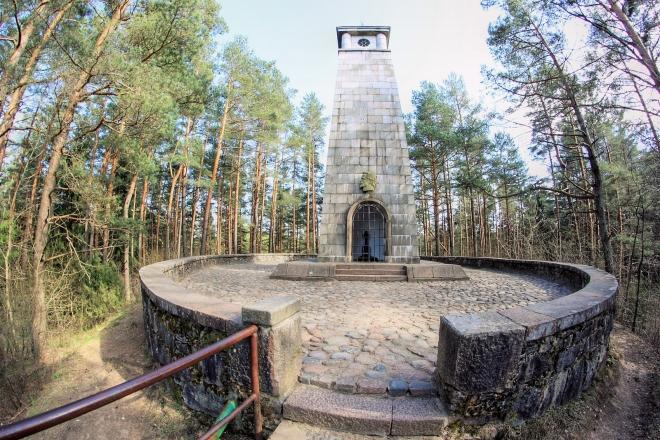 The Light of Happiness – Jonas Biliūnas memorial and grave on the hill of Liudiškiai